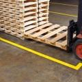 Zvětšit fotografii - Extrémně odolná podlahová páska Floor Marking Toughstripe 7,62 cm x 30 m Brady